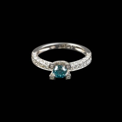 ELEGANTER FARB-BRILLANT-RING