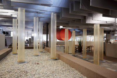 ARCHITEKTUR BEZOGENE INSTALLATION: 'WASSERSÄULEN'