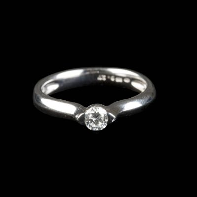 BRILLANT-SOLITAIRE RING