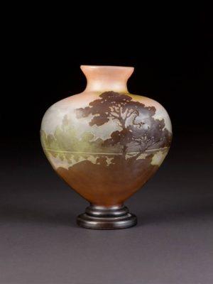 Vase mit Landschaft