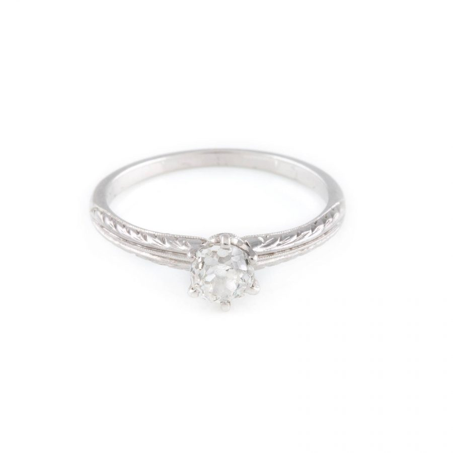 RING MIT DIAMANT-SOLITAIRE