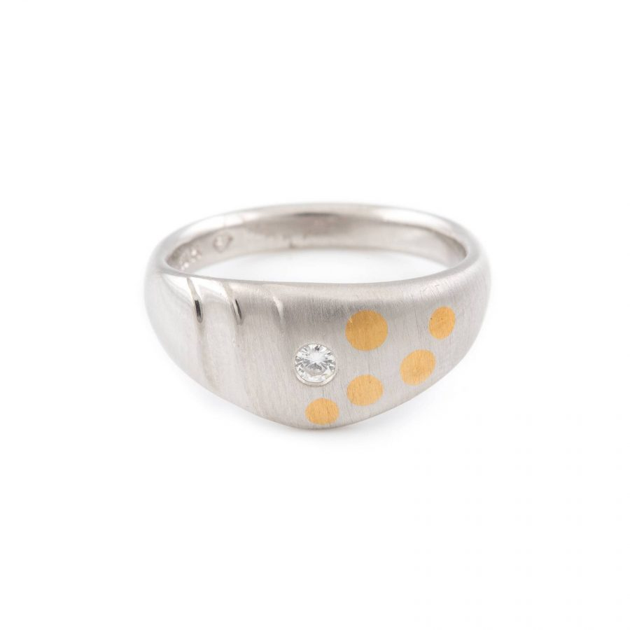 DESIGN-RING MIT BRILLANTBESATZ