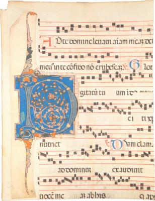 Gradualefragment aus dem 15./16. Jh. mit aufgeklebter Initiale aus dem 13. Jh., Ornamentinitiale